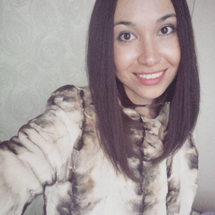 #понеслась Стоило один раз обстричь волосы как дальше остановиться оказалось очень сложно! Стою на распутье: 1) сделать карвинг крупные локоны; 2) подстричь ещё короче; 3) отращивать. #дилемма #smile