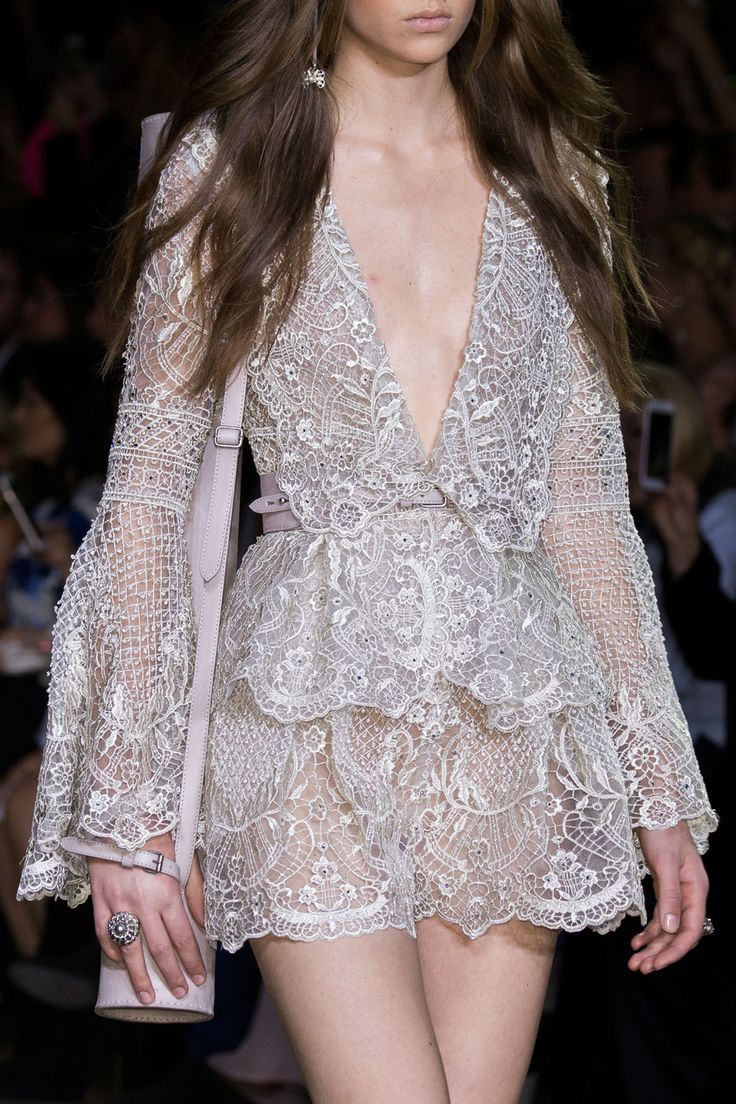Elie Saab | Haute Couture | Spring 2016 - welcome in the world of fashion                                                                                                                                                                                 Mehr
