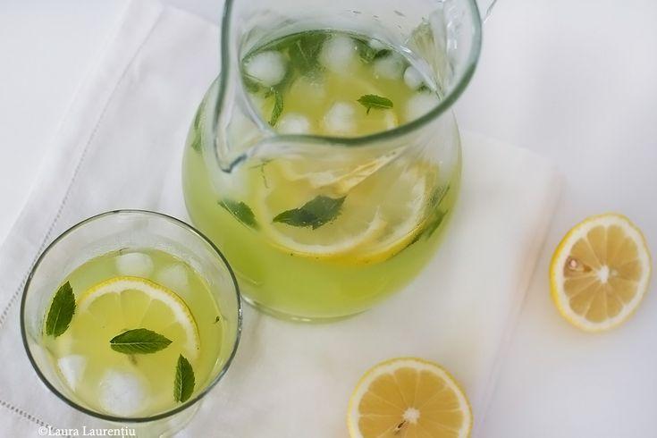 Limonadă cu castraveți și mentă, rețetă culinară pas cu pas. Rețetă simplă și rapidă de limonadă cu castraveți. Băutură răcoritoare sănătoasă pe bază de castraveți și lămâie.  Că ne este,...