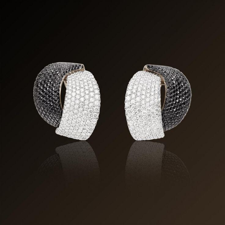 Abbraccio - Vhernier, white gold, white and black diamond earrings. Made in Italy