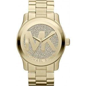 La montre Runway dorée à strass de Michael Kors : une montre tendance ! Ref. MK5706 : avec son gros boîtier de 45 mm, ce modèle boyfriend illustre parfaitement l'une des tendances mode du moment.