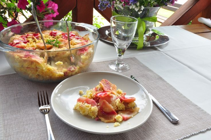 ekodelis-przepis-kulinarny-kasza-jaglana-podpiekana-z-jablkami-na-talerzu