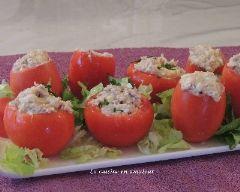 Tomates garnies au thon et oeufs