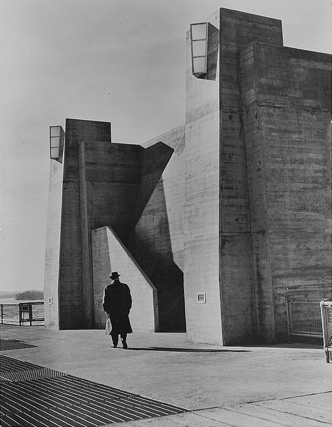 Walker Evans, Pickwick Dam, 1933-1945.