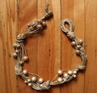 Auf folgende Seite finden Sie die Anleitung zum wunderschönen Armband mit Perlen. Sie erkennen, wie kann man selber solchen Armband mit Perlen knüpfen.