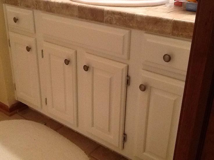 Painted Vanity With Benjamin Moore Advance Paint White Dove Cleaned Spray Painted Old Hinges