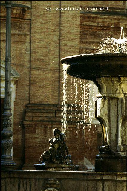 Matelica (MC): fontana