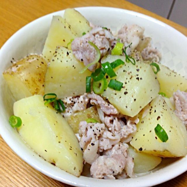 くららちゃん〜、やっと作ったよ〜✌ ⭐マーク付けてたのになかなか作れなかってんけど新ジャガの美味しい季節になったし作ってみた。美味しい〜塩だけやのにねぇ。長女も新婚メニューにするって 美味しいレシピありがとう〜 食べ友もよろしく - 125件のもぐもぐ - くららちゃんの塩だけでウマ~❤ジャガイモと豚バラの煮物⭐ by tanuko