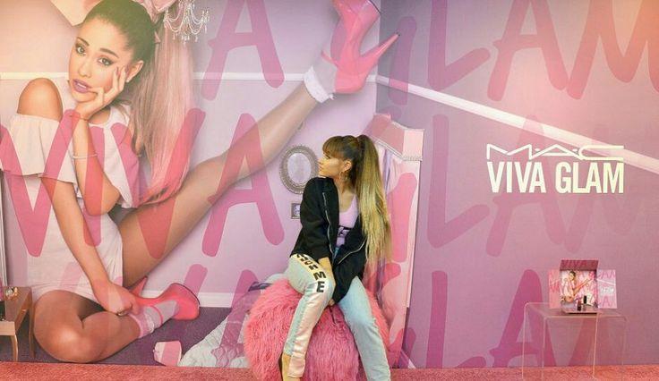 """DRUGA CZĘŚĆ """"MIŁOŚĆ NA ODLEGŁOŚĆ""""  Ariana postanowiła rozpocząć nowe … #fanfiction Fanfiction #amreading #books #wattpad"""