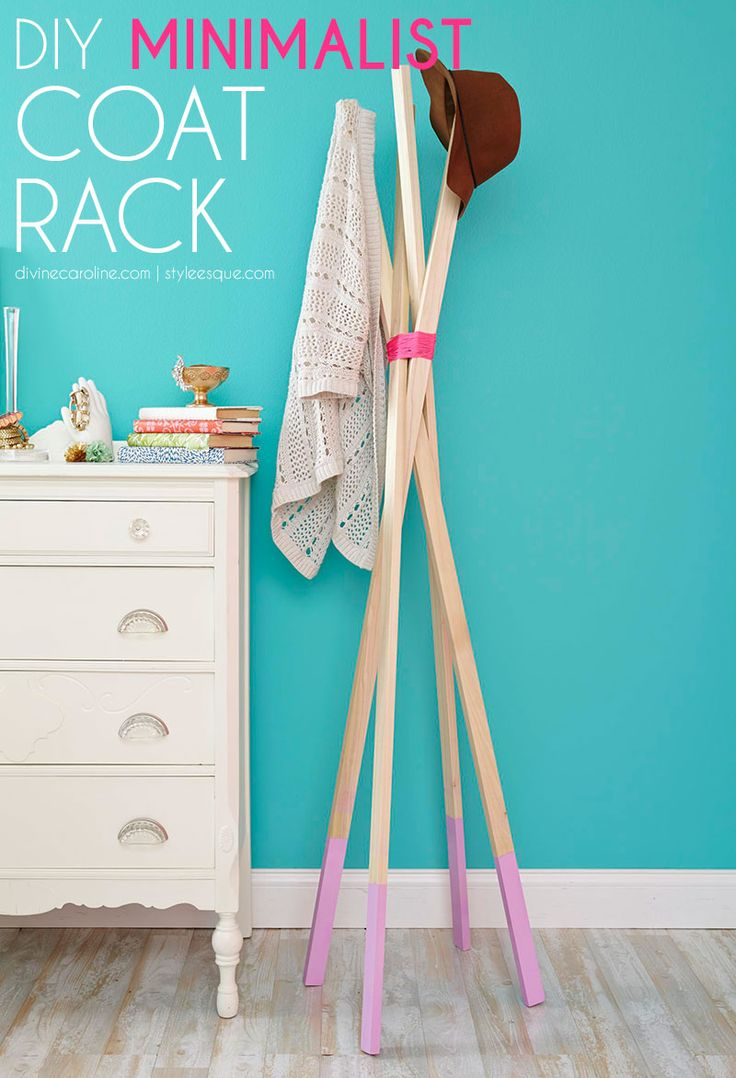 Hang your hat in style after a long day on this DIY coat rack! #diy #homedecor