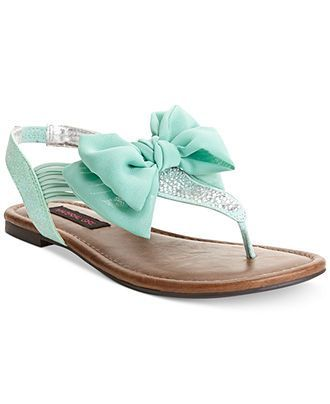 Love these cute mint bow sandals! Not sure I have anything that matches, but they are darling!