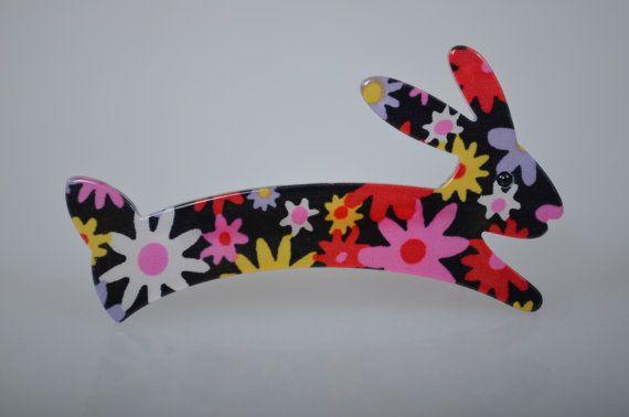 Conejito de broche Vintage joyería animal con floral impresión