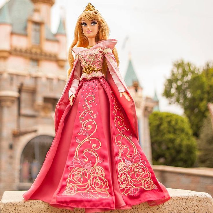 2014 Sleeping Beauty Limited Edition of 5000 dolls.  Available July 28, 2014....couldn't resist & had to get 1!