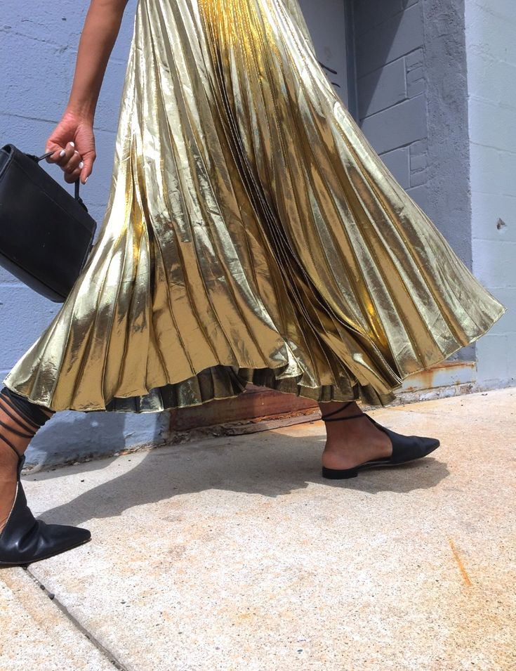metallic gold pleated skirt #FABRICNEED #FABRICWANT