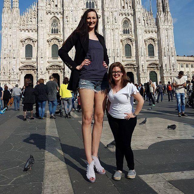 Ekaterina Lisina, dalle Olimpiadi a modella più alta del mondo? L'atleta ora mira a entrare nel libro dei Guinness dei primati e a sfilare con i grandi del
