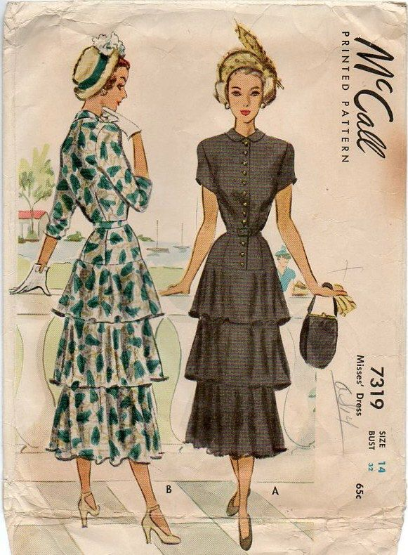 Modello vogue 1940s ~ Dress w / unico volant gonna a più livelli ~ stroncata vita ~ abbassato il pulsante frontale chiusura - busto 32 - Vintage anni ' 50 da cucire di VivsVintageSewShop su Etsy https://www.etsy.com/it/listing/208753661/modello-vogue-1940s-dress-w-unico-volant