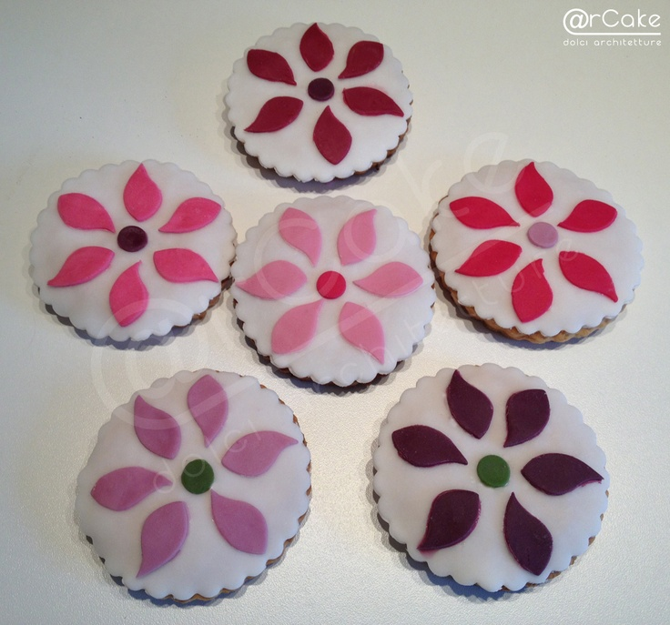http://www.facebook.com/pages/rcake/275124219229785  www.arcake.it