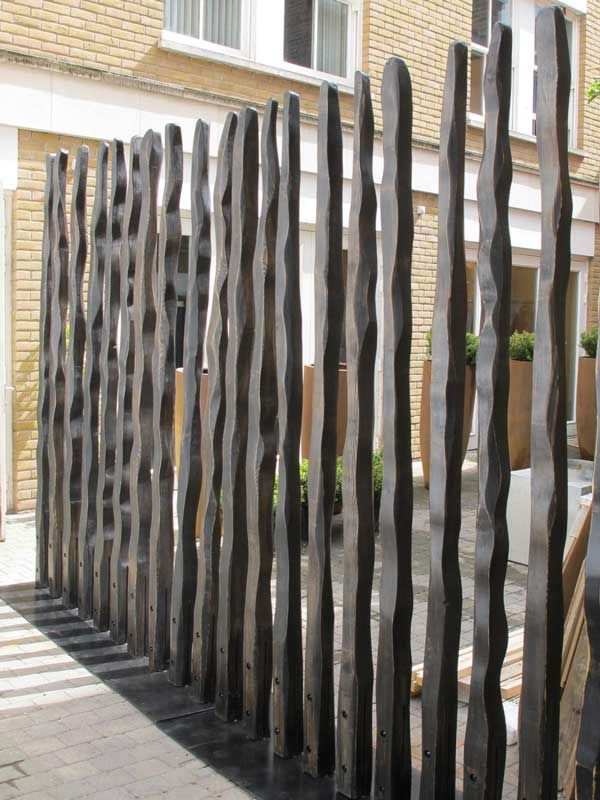 Modern garden fence divider enclose pinterest for Wooden garden screen designs