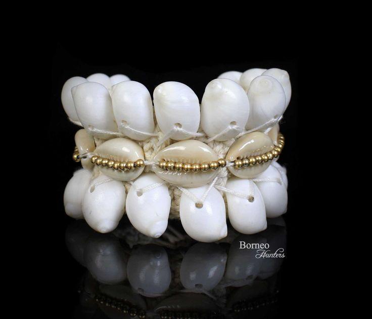 Armband Woven Seashell White Armband Bracelet Boho Accent Nautical Body Jewelry Summer Beach Armband Handmade Unque Bracelet Island Jewelry by BorneoHunters on Etsy