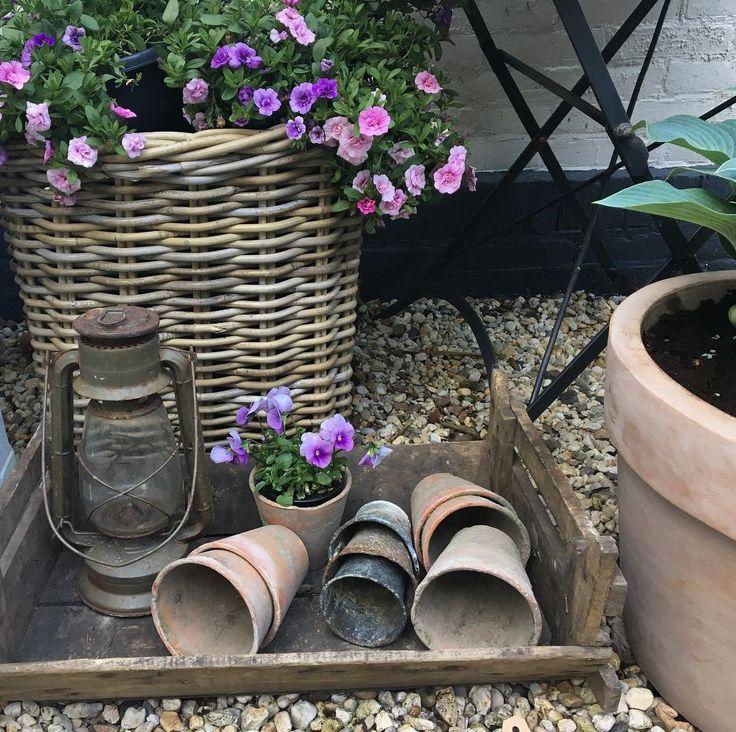 25 beste idee n over tuin lantaarns op pinterest tuinterras zitplaatsen inde tuin en huisarts - Kleine tuin zen buiten ...