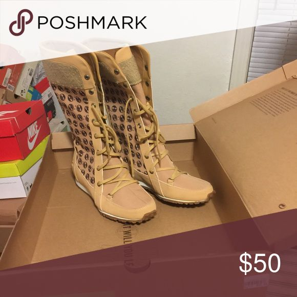Ladies timberland boots Only worn once in the original box. Shoes Lace Up Boots