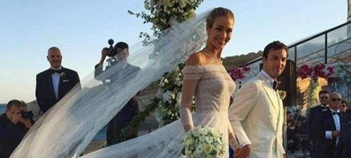 Ο ονειρικός γάμος της Αν Μπεατρίς Μπαρός και του Αιγύπτιου μεγιστάνα στη Μύκονο [βίντεο]