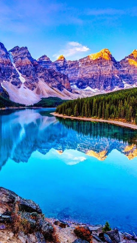 Озеро Морейн, Альберта, Канада  #мирпрекрасен #мир_необычного #amazing #пейзаж #beautiful #beautifulpictures #шедевры_вселенной #красивый_пейзаж #природа #красота #мирпрекрасен #beauty #beautiful #naturek #landscape
