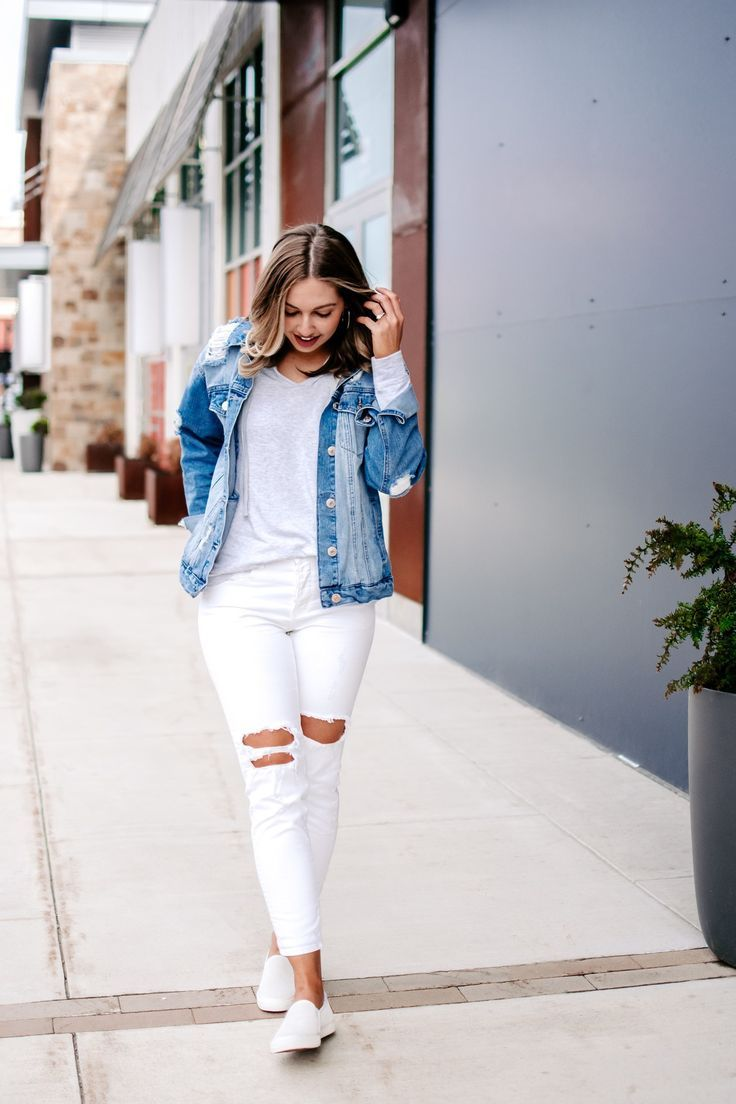 Simple And Casual Jean Jacket Outfit For Spring Jean Jacket For Spring With A Light Grey Hoodie W White Ripped Jeans Light Grey Hoodie Spring Outfits Casual [ 1104 x 736 Pixel ]