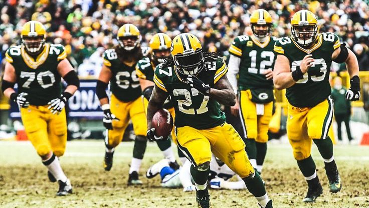 Appreciate these guys upfront... owe a lot of success to them. Eddie Lacy Social Media. #hulk #football #packers  https://twitter.com/Lil_Eazy_Ana_42/status/623890184732545024/photo/1