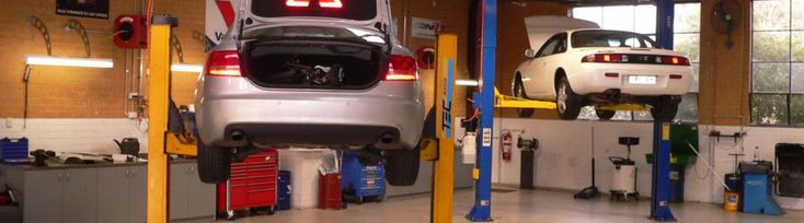 Quality #Auto_Repairing_in_Blackburn is available here through the best car repair mechanics.  http://bit.ly/1oJC93L