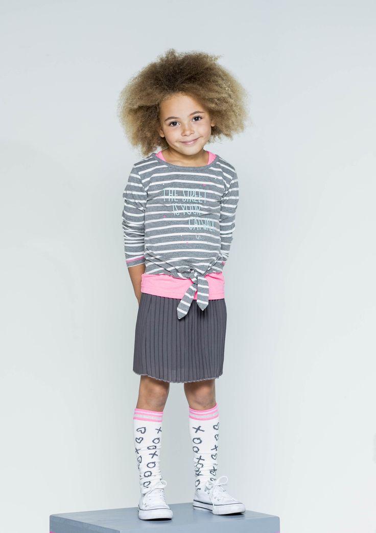 Quapi | Longsleeve Karmen Grey Melee Stripe | Skirt Keisha Grey | Kneesocks Kiana 1 Off White