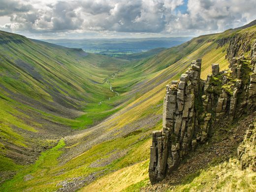 Seven epic walking trails around the world