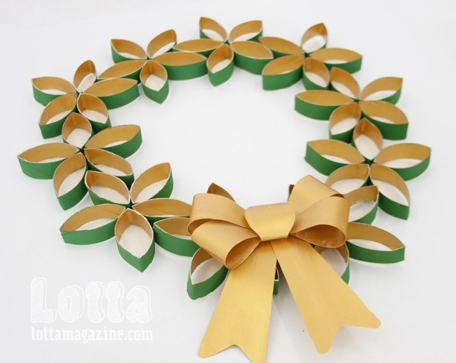 Toilet roll wreath and sunburst decoration