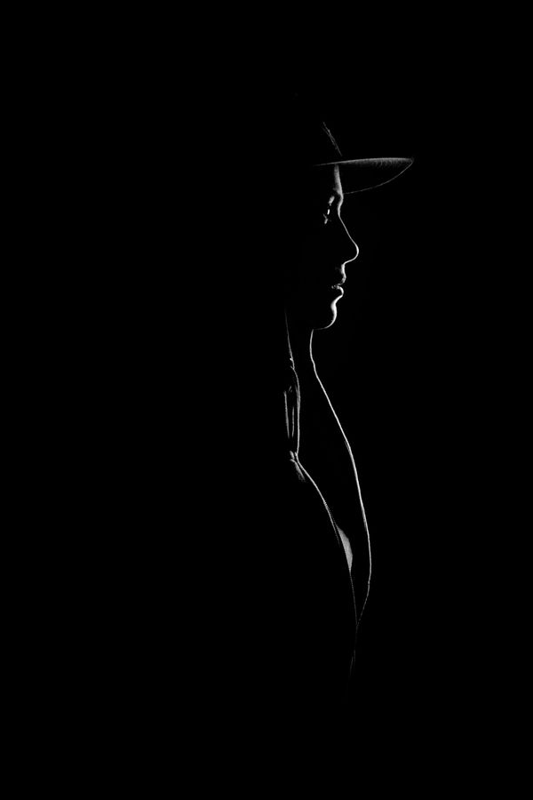 Profile / brilliant use of light & shadow by Freek Bekaert. It is a photograph, but should be a drawing!