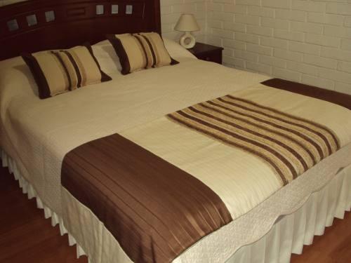 Pieceras C/ Cojines - Cama 2 Plazas - Varios Diseños - $ 25.000 en MercadoLibre