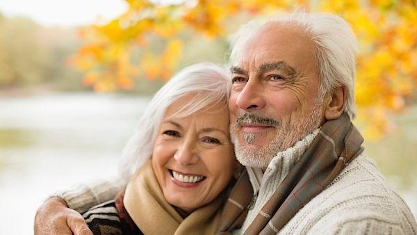 Co vlastně obnáší doba odchodu do důchodu? Nemoci, chudobu nebo nový začátek? O své budoucnosti se rozhodujeme už nyní, přestože se zdá, že je stáří ještě daleko.