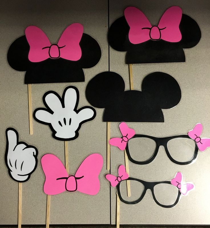 Minnie Mouse photo booth props. 1 year old birthday party