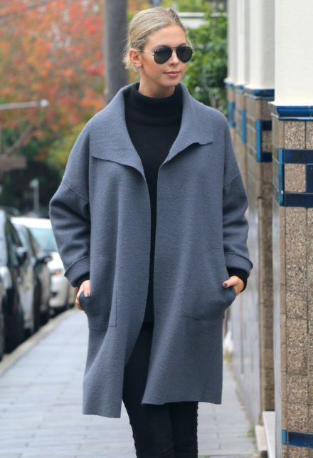 Share with:Brooklyn Coat Pattern – This oversized, boxy coat features dropped shoulders and a fold over collar with front and back patch pockets. The full length sleeves are finished with a turned over cuff. The coat can either be worn loosely open or secured with a decorative pin. The perfect cover up for the autumn/winter months and ideal for layering too.Note: This coat pattern has …
