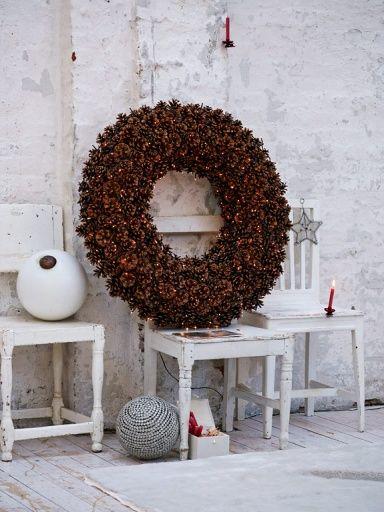 ber ideen zu tannenzapfen kranz auf pinterest tannenzapfen kiefer und kr nze. Black Bedroom Furniture Sets. Home Design Ideas