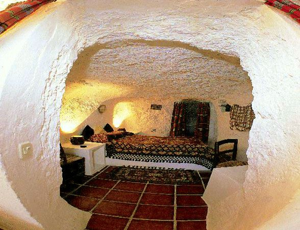 8 best cave houses in spain images on pinterest cave - Tiny house espana ...