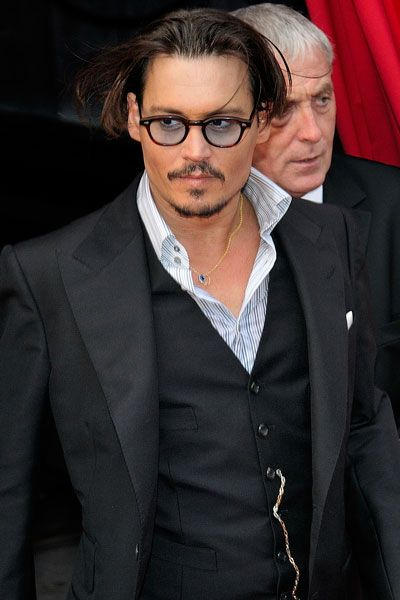 Johnny Depp - He Knows How to Dress - Men Style Fashion