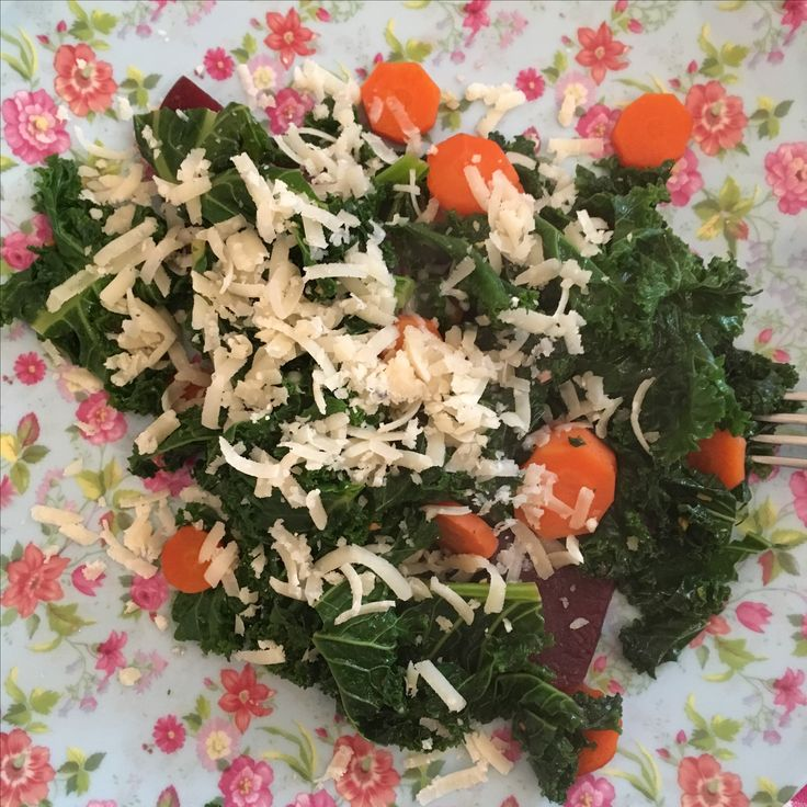 Kale, carottes and beetroot with Parmesan.