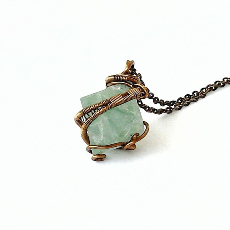 104 best Wire Wrapped Crystals images on Pinterest   Wire wrap ...