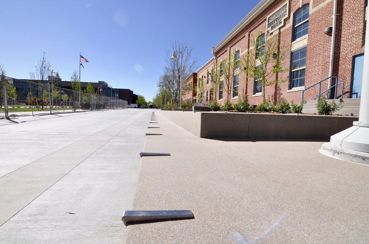 Auraria Tivoli Commons Quad. Design by Wenk Associates; General Contractor: Pinkard Construction; Con… | Campus landscape architecture. Campus ...