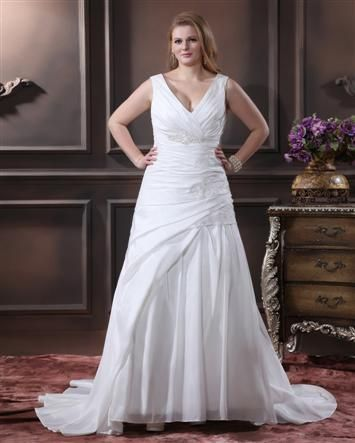 v neck Bridal Gowns for full figured brides   plus size wedding dress   www.dariuscordell.com/featured/plus-size-wedding-dresses-bridal-gowns/