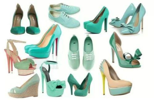 С чем носить бирюзовые туфли - обдуманный образ