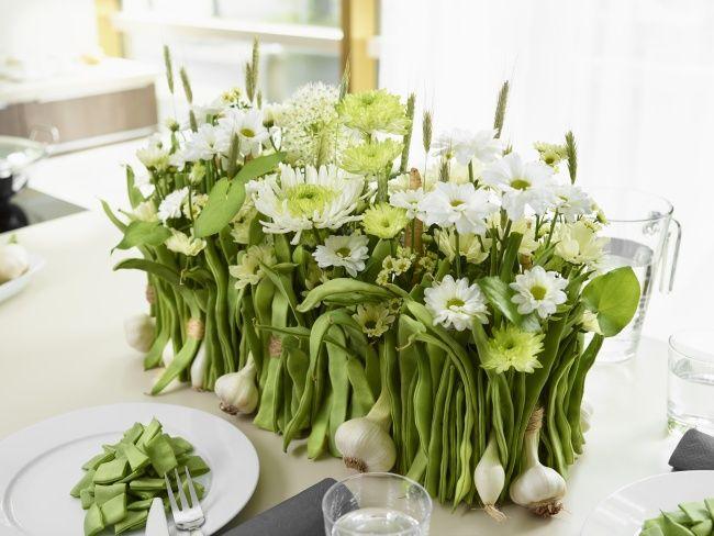 Ein außergewöhnlicher Chrysanthemen-Tischschmuck mit Frischeeffekt - www.tollwasblumenmachen.de