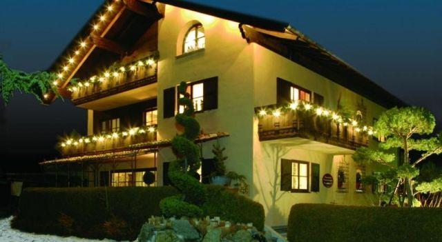 Romantische 5-Sterne Ferienwohnungen - #Apartments - EUR 88 - #Hotels #Deutschland #Mittenwald http://www.justigo.de/hotels/germany/mittenwald/margit-mathias-knilling_204969.html