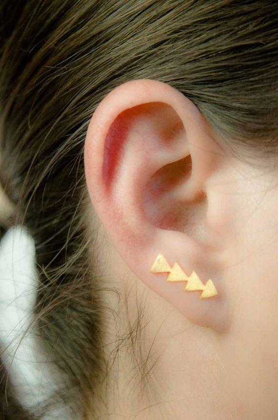 Gelbes Gold Dreieck Ohr Pin, Gelb Gold Vermeil, Matt Gold Ohr Sweep, geometrische Ohr Manschette, Minimalist, moderner Schmuck, handgemacht, Geschenk,