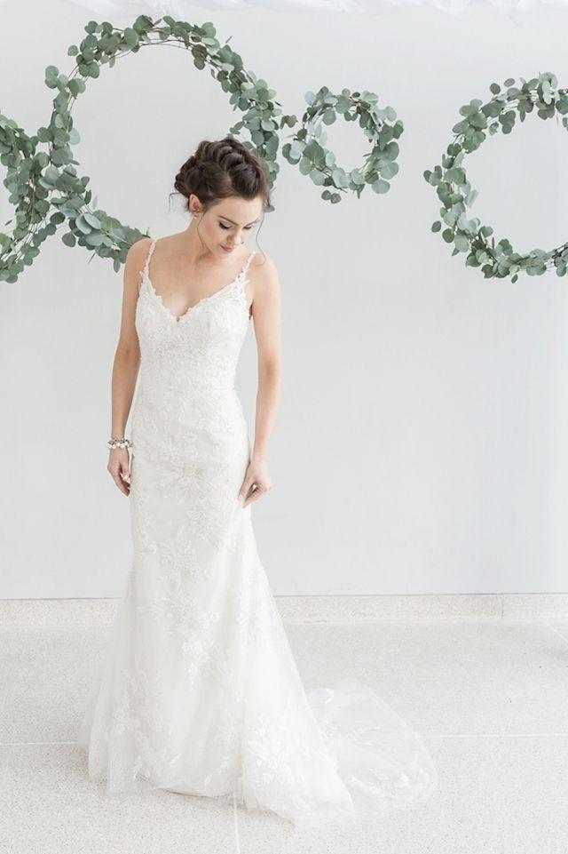 Lace wedding dress | Star Noir Studio | see more on: http://burnettsboards.com/2015/05/lavender-eucalyptus-affair-senses/